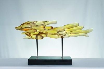 艺美特酒店雕塑不锈钢树脂铁艺锻铜仿琉璃透明雕塑琥珀黄云游